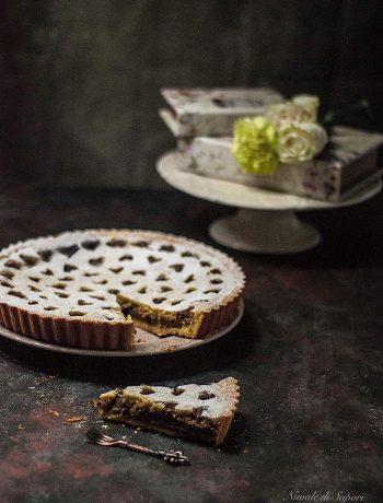 Crostata con crema al cioccolato gianduia, nocciole e ricotta