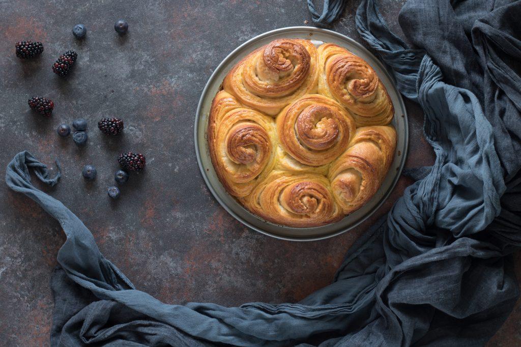 torta delle rose sfogliata