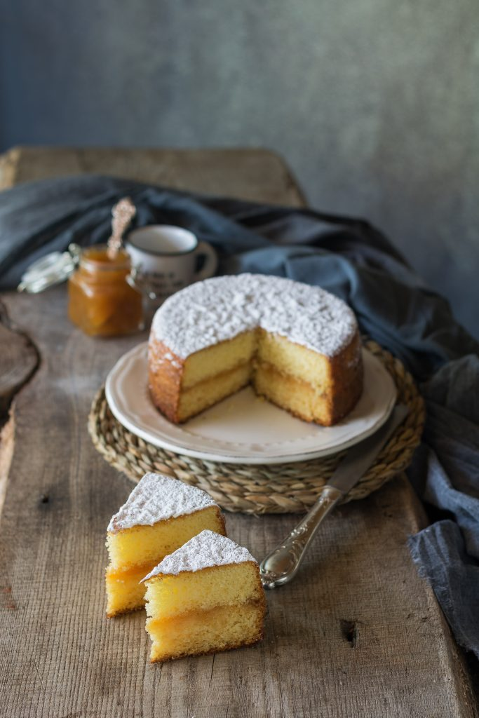 torta versata marmellata